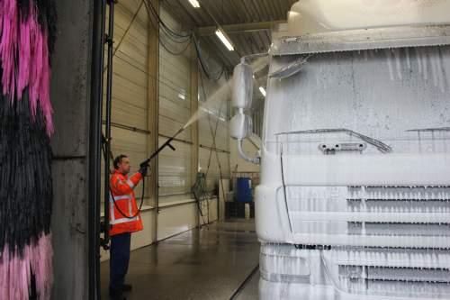 Vask af lastbiler / førerhus